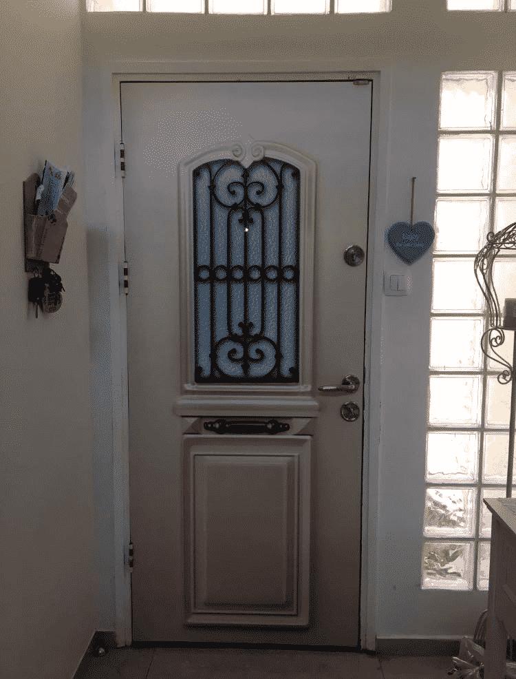 ציפוי מגנטי לדלת
